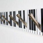 Функциональность вешалки «Пианино» в интерьере