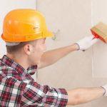 Клей на стены или на обои: почему есть большая разница