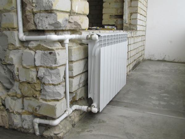 Как организовать отопление на застекленном балконе