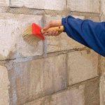 Как защитить стены от мелких трещин после высыхания штукатурки