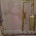 3 причины не замуровывать трубы водоснабжения в стену