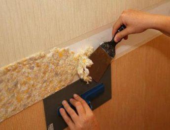 Как быстро очистить стены от жидких обоев, не прибегая к помощи специалиста