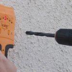 Как быстро и безопасно исправить электропровод, перебитый перфоратором