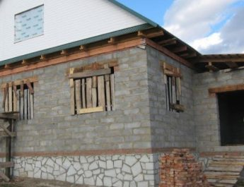 5 основных правил консервации недостроенного дома на зиму