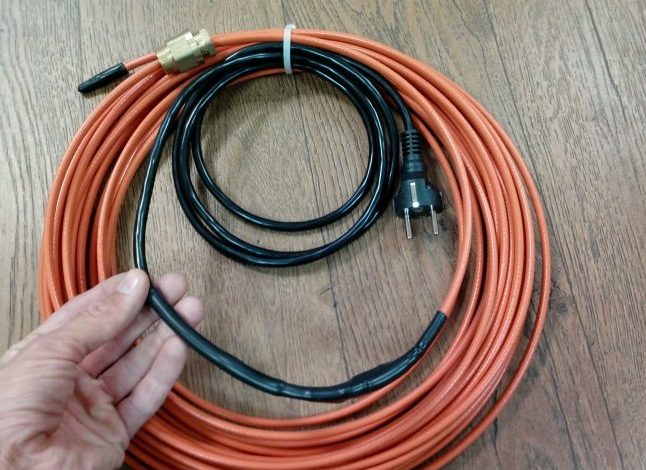 Резистивный или саморегулирующий кабель для обогрева труб