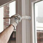 Можно ли красить пластиковые окна и как правильно это делать