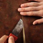 3 совета, как избежать отклеивания обоев на стыках