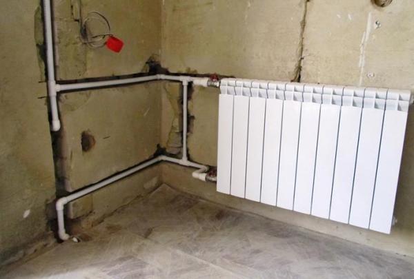 Какие виды труб надежнее всего прокладывать в стене
