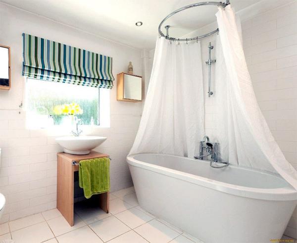 5 интересных вариантов оформления окна в ванной