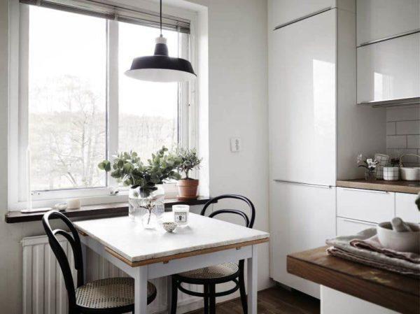 Какие формы столов не подходят для кухни маленького размера