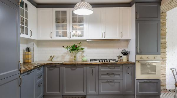 В каких случая бесполезно обновлять кухонные фасады