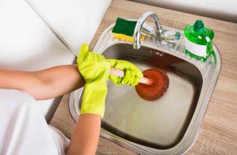 Несколько способов убрать засор в раковине на кухне
