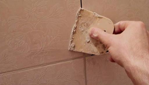 Можно ли использовать штукатурку вместо плиточной затирки?