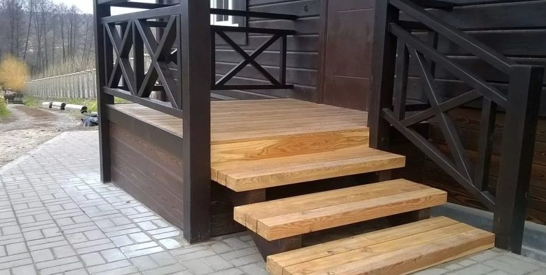 Уличные лестницы для крыльца на заказ