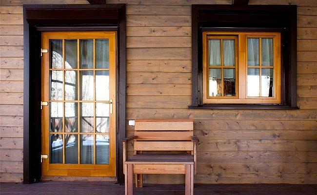 Конструкция и особенности деревянных окон со стеклопакетом