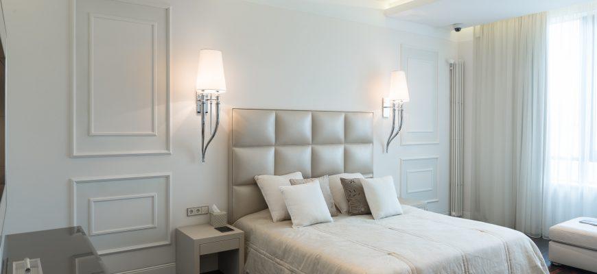Тонкости выбора бра для спальни