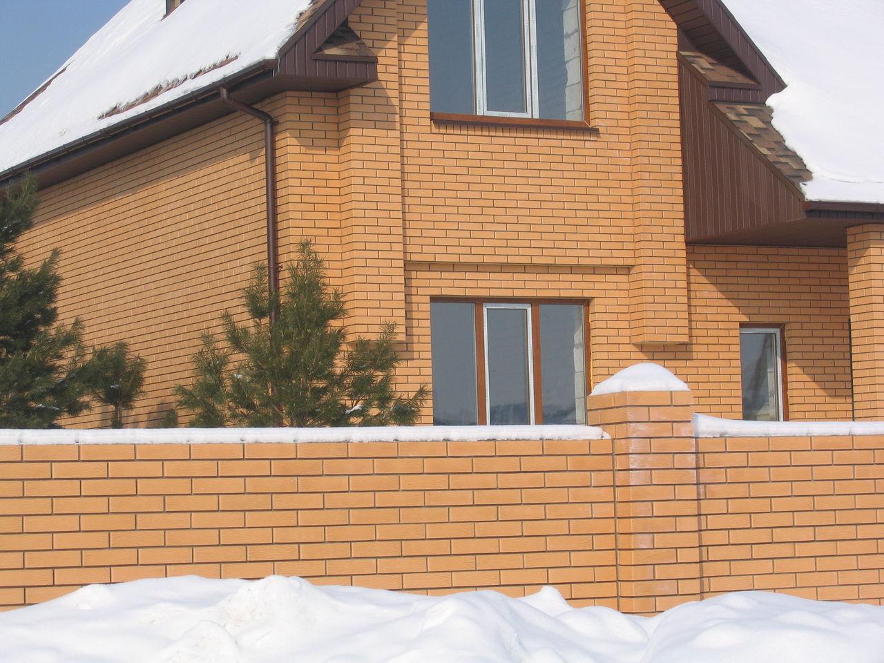 Дизайн фасада в классическом стиле при помощи керамической защитной облицовки