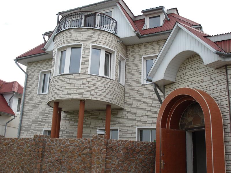 Дом, полностью обшитый цементным сайдингом