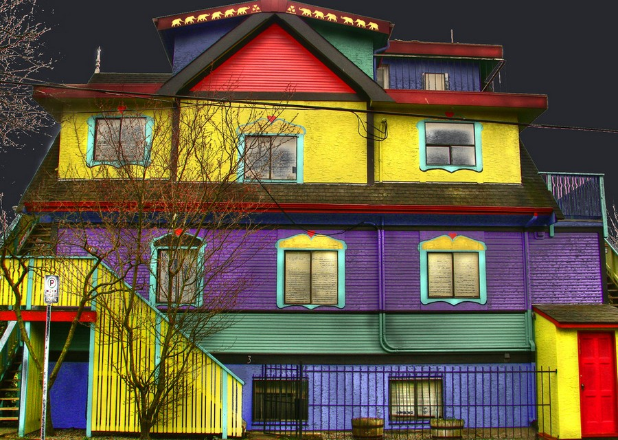 Как легко покрасить фасад дома