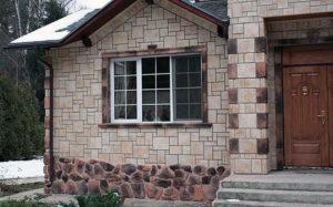Отделка фасада дома камень