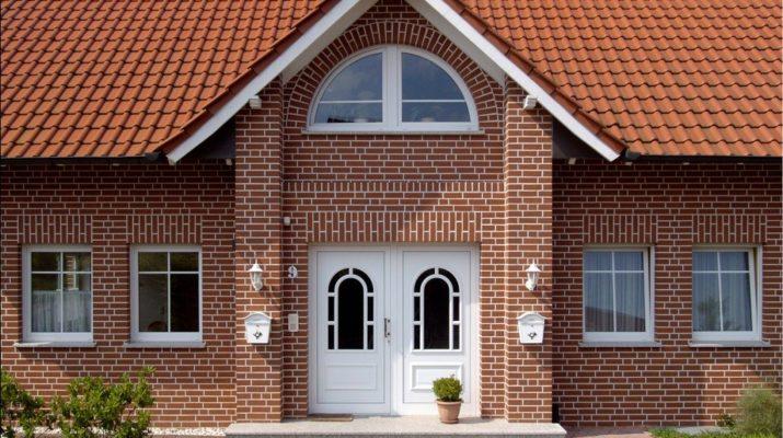 Декоративная штукатурка для фасада дома короед фото