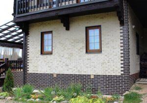 Красивая кладка из облицовочного кирпича фасада дома