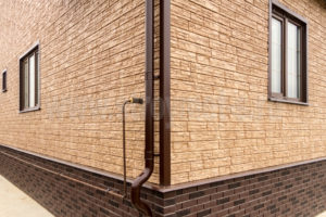 Цокольный сайдинг для фасада