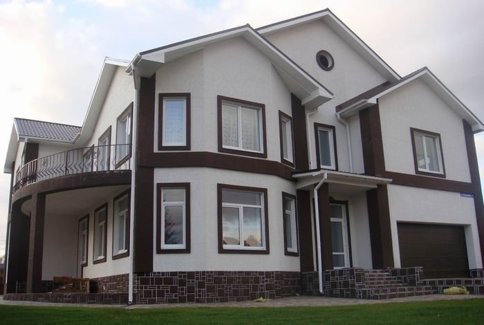 Вариант оформления фасада дома