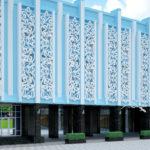 Декоративные панели для обустройства фасада в голубом цвете