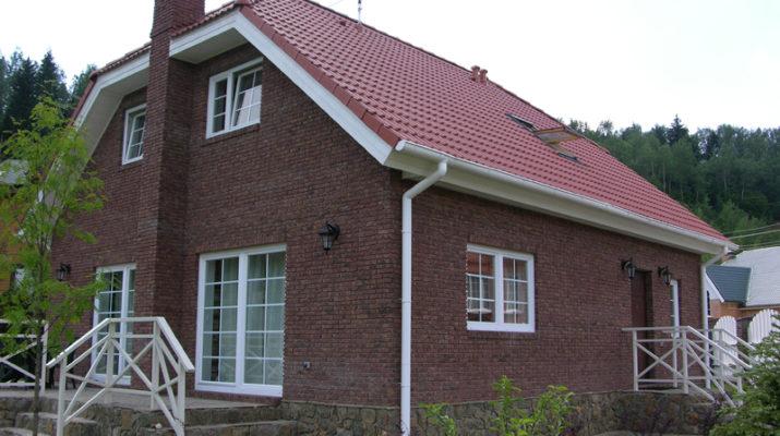 Фасад для дома в коричневом цвете