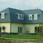 Фасад дома в привлекательном оливковом цвете