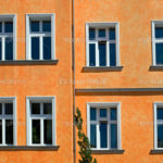 Фасад оранжевого цвета