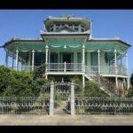 Фасад в красивом бирюзовом цвете