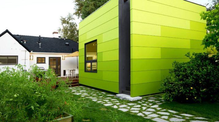 Фасад, выполненный в зеленом цвете