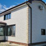 Фасадные панели белого цвета для создания дома