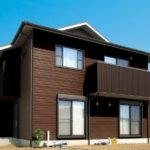 Используем панели коричневого цвета для фасада