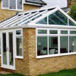 Как сделать фасад, созданный с трехскатной крышей