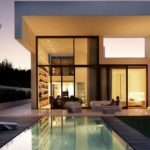 Как выглядит дом с большими окнами