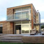 Коричневый фасад для дома