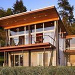 Красивый фасад с односкатной крышей