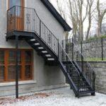 Наружная лестница для оформления фасада