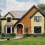 Обустройство фасада с помощью коричневых панелей