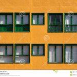 Оранжевый красивый фасад