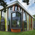 Оригинальные зеленые панели для фасада