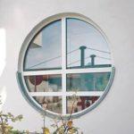 Практичные круглые окна фасада