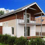 Пример фасада с двухскатной крышей