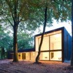Стильный дом с квадратным фасадом