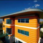 Стильный фасад в оранжевом цвете