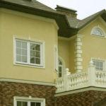 Светлый оливковый фасад