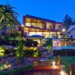 Как выбрать фасад для трехэтажного дома